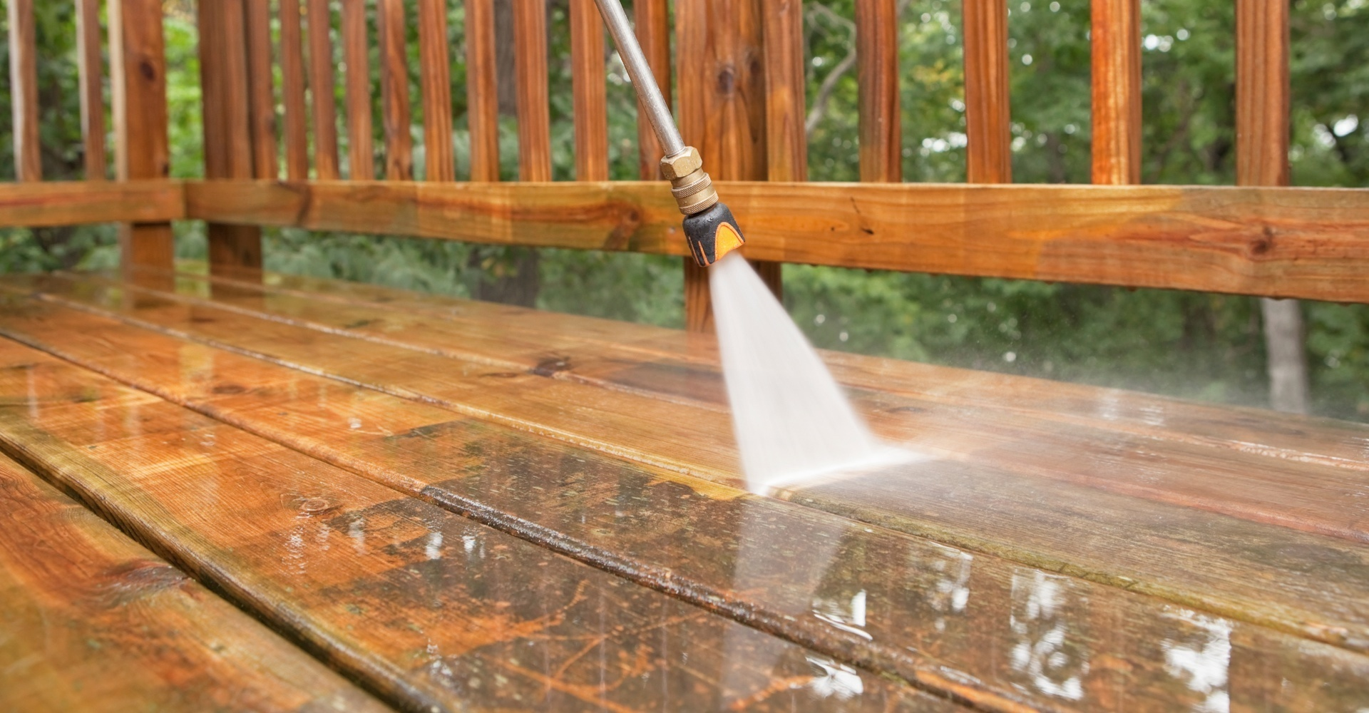 Pressure Washing Deck in Lakeland